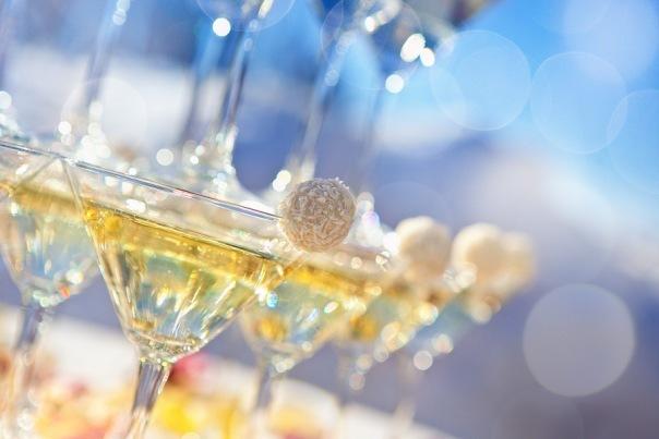 Заказать горку из шампанского